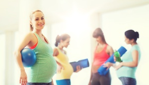femmes enceintes grossesse cours en groupe